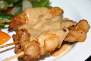 Chicken Satay with Peanut Sauce 串燒沙爹雞