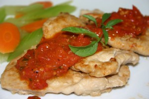 羅勒茄汁雞扒 Chicken Fillets with Tomato Basil Sauce