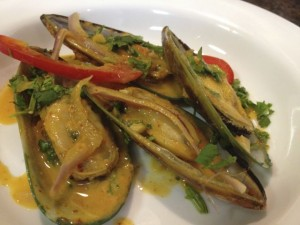 spicy thai style mussels